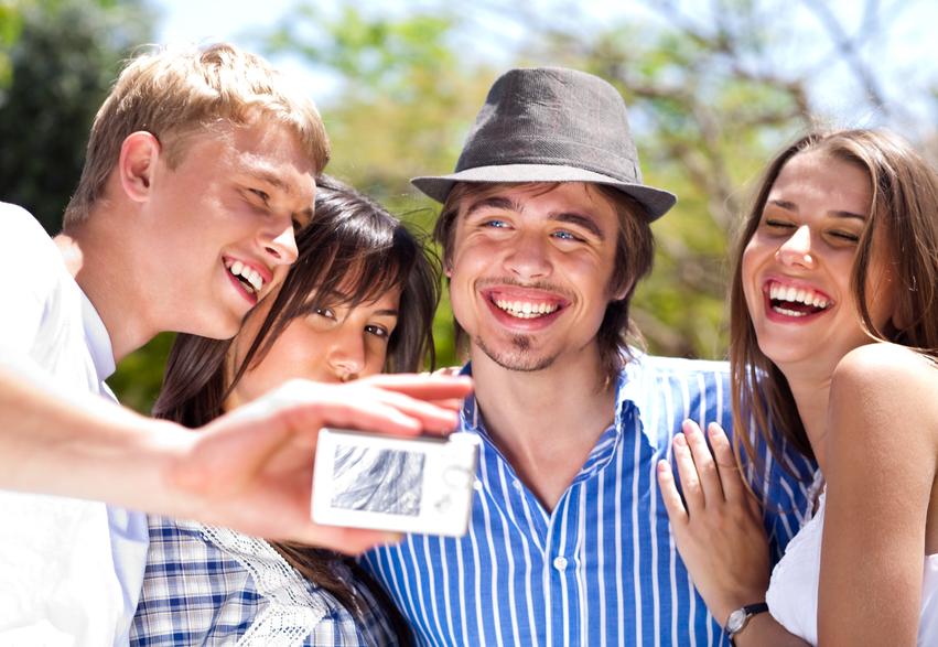 Φλερτάροντας στον κοινωνικό κύκλο σου