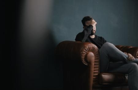 4 σημάδια που μαρτυρούν ότι είσαι σκληρός με τον εαυτό σου