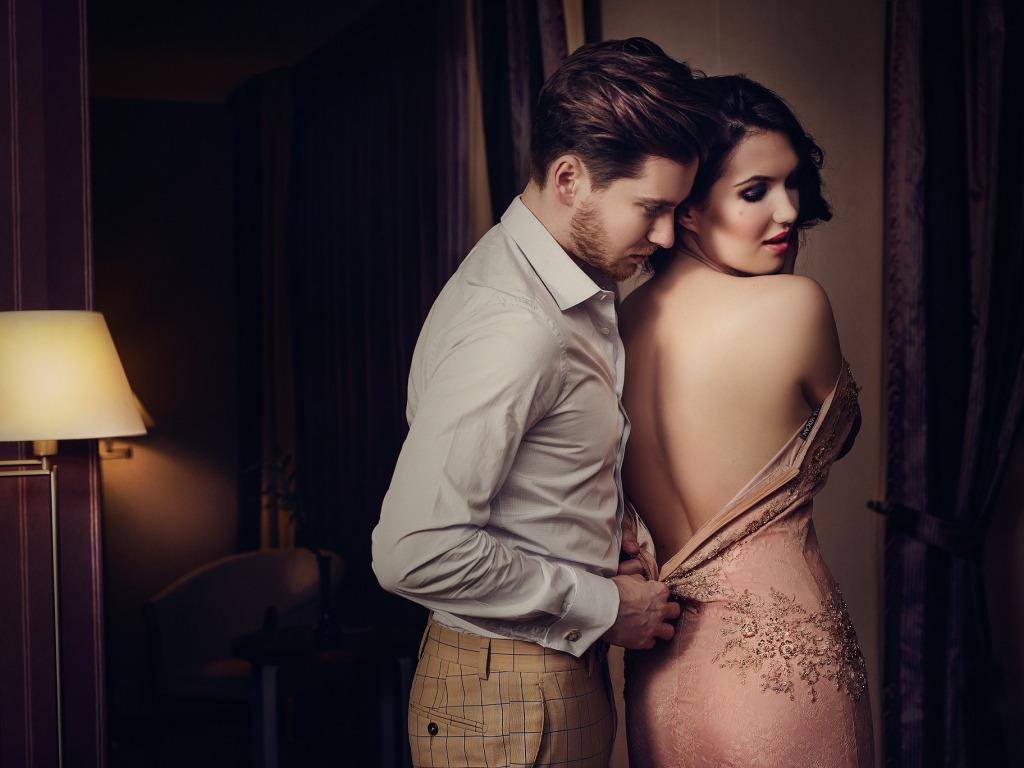 Πως κάνεις μια Φίλη να σε δει Ερωτικά, 3 Κανόνες που θα κάνουν πιο εύκολη την ερωτική σου ζωή