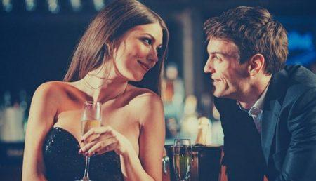 Μυστικά για Καλή Επικοινωνία στο Φλερτ, Πώς να της Ζητήσεις να Βγείτε Ραντεβού
