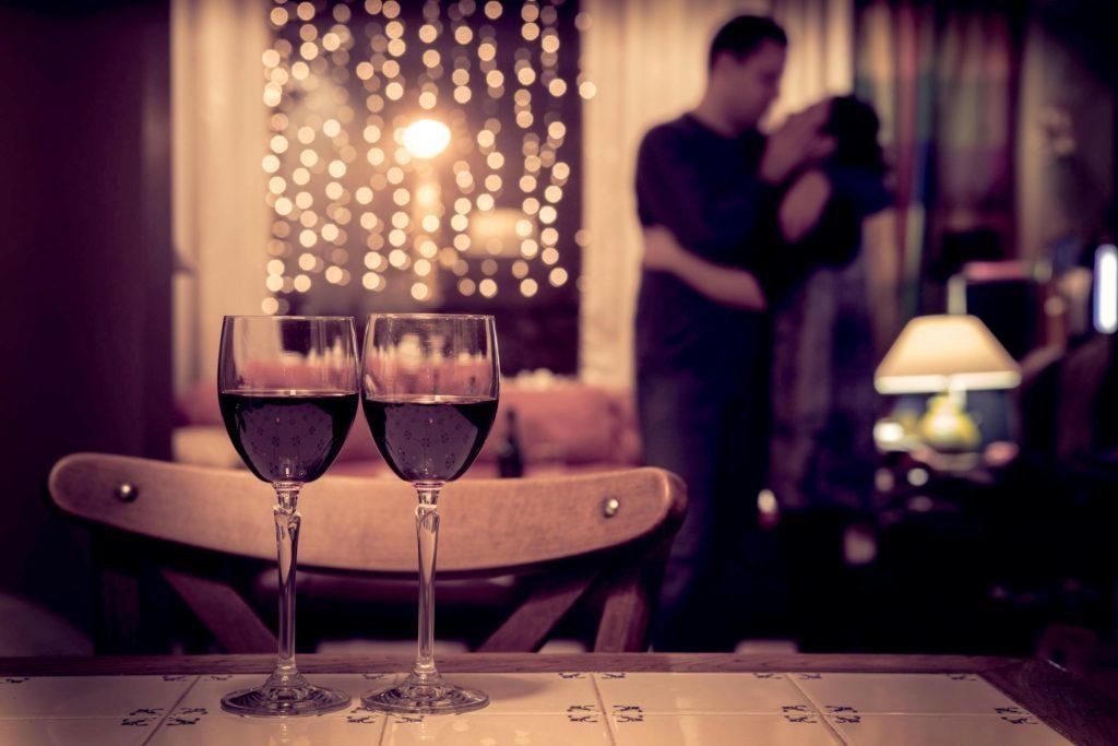 6+1 Συμβουλές για να δημιουργήσεις μία Υπέροχη Βραδιά στο σπίτι σου