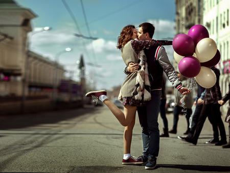 Πώς να την κάνεις να σε Ερωτευτεί, Πώς να κρατήσω την κοπέλα μου Ευτυχισμένη;