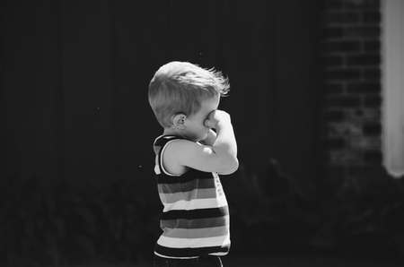 4 Τρόποι με τους οποίους παραμένουμε Παιδιά ως Ενήλικες
