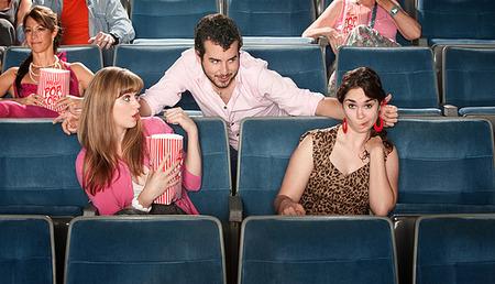 Πώς να επιμείνεις στο φλερτ χωρίς να γίνεις ενοχλητικός