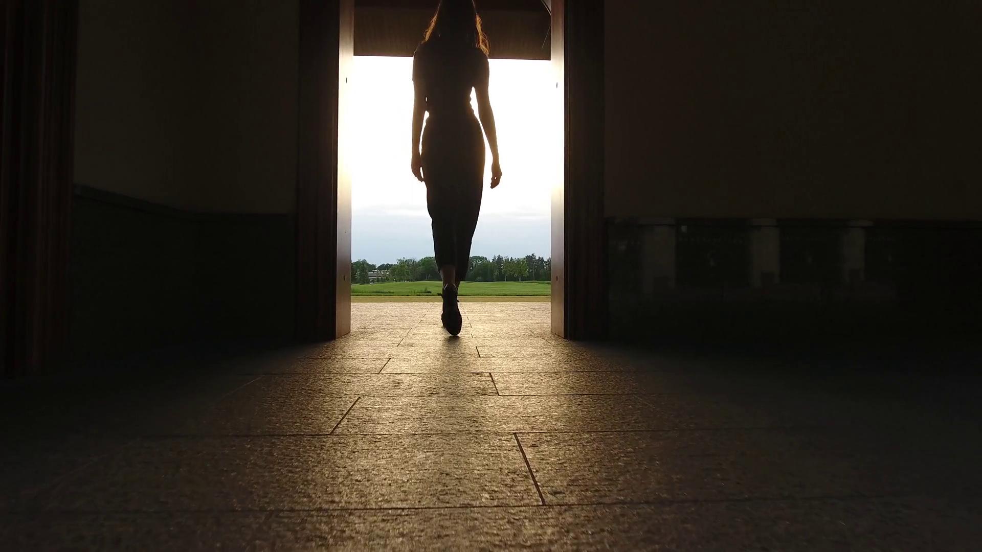 Κάνε την κίνηση σου: Γιατί το να περιμένεις στο φλερτ είναι λάθος