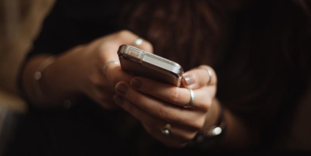 5 Απλά tips για φλερτ μέσω μηνυμάτων
