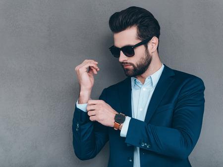 Φόρα τα καλά σου: Πώς να ντυθείς για μια εντυπωσιακή έξοδο, Πώς να διατηρείς τον Έλεγχο του Εαυτού σου και να κυριαρχείς σε κάθε Κατάσταση