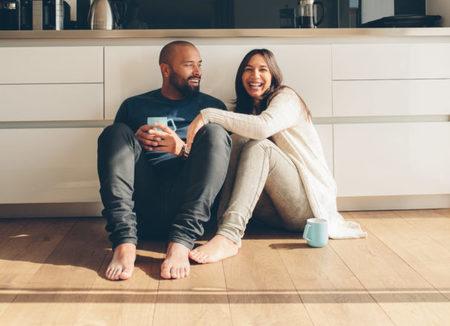 Απλοί τρόποι να αποφύγεις τις εντάσεις στη σχέση σου στη δεύτερη καραντίνα
