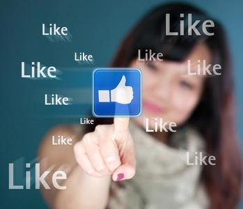 Φλερτ στο Facebook: 5 συμβουλές για να φλερτάρεις με επιτυχία