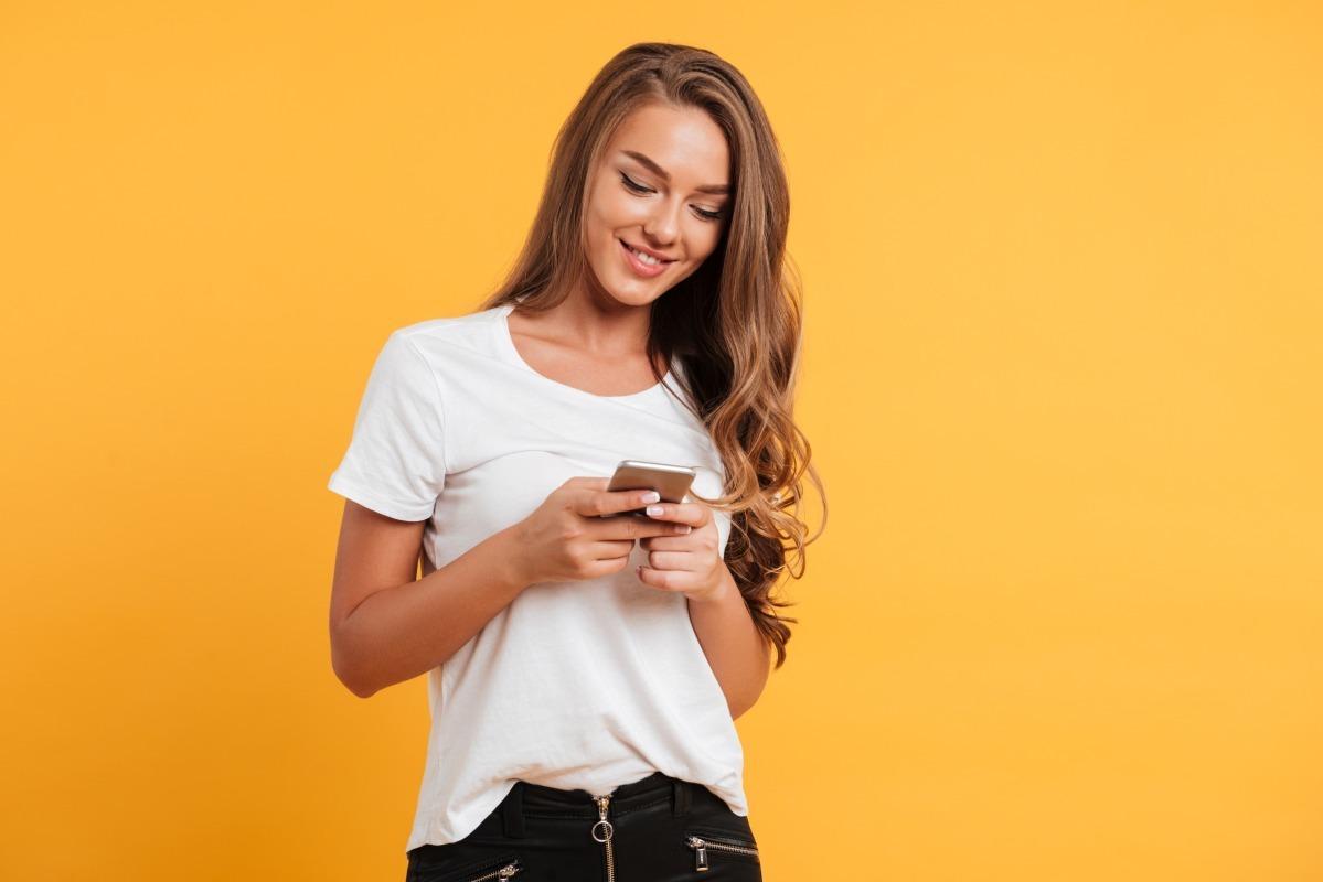 Τα Καλύτερα Θέματα για Chat, Παιχνιδιάρικα Μηνύματα στο Φλερτ: Δουλεύουν τελικά;
