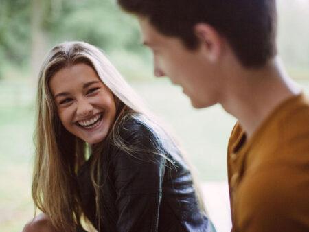 Μέρη για Φλερτ: Που να φλερτάρεις, Πως να βρω κοπέλα: 3 Τρόποι