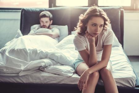 Βαρέθηκε τη σχέση: Τι να κάνεις, 4 Σημάδια πως έχει βαρεθεί στη Σχέση σας